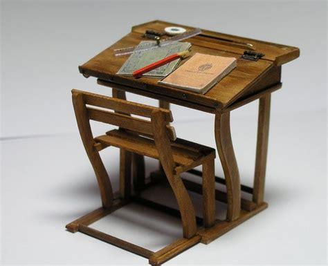 miniature  fashioned school desk dollhouse