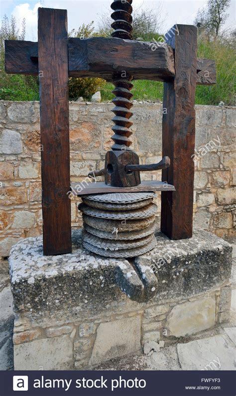olive press  wooden screw  baskets kritou terra