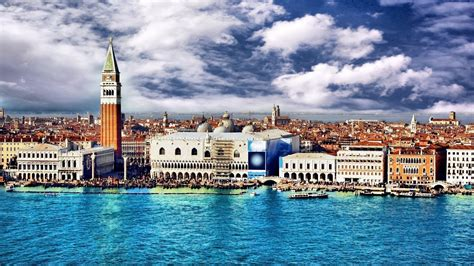 Student Travels Venice Italy