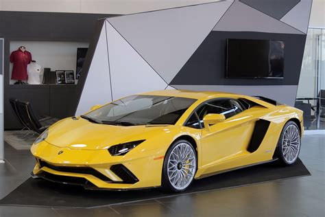Stunning Lamborghini Aventador S Doing Its Rounds Of
