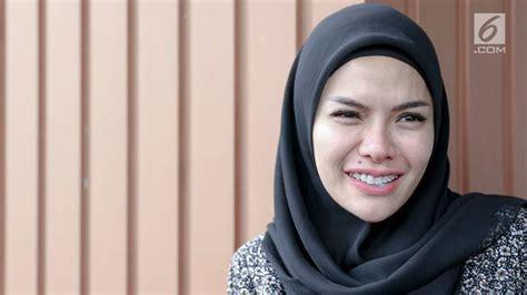Pamer Foto Baru Nikita Mirzani Resmi Buka Hijab