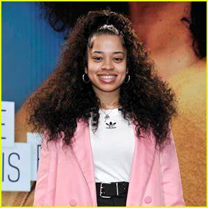 Bood Up Singer Ella Mai Attends Her First American