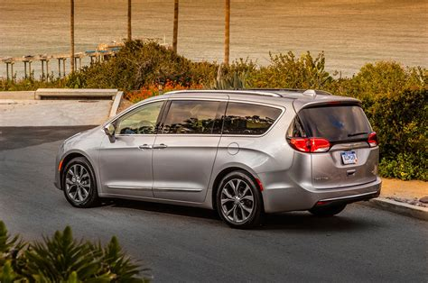 Chrysler Pacifica by 2017 Chrysler Pacifica Drive Review Motor Trend