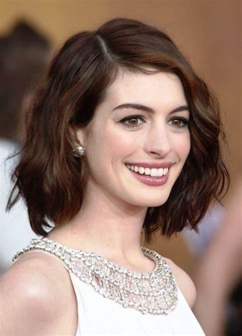short hairstyles  oval faces  wavy hair