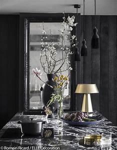 Bar D Appartement : paris visitez cet incroyable appartement noir sous les toits d 39 un ancien couvent elle d coration ~ Teatrodelosmanantiales.com Idées de Décoration