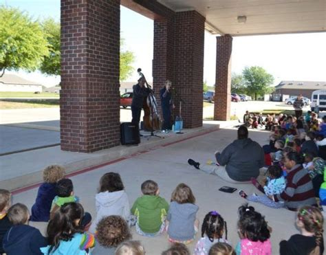 preschool amp daycare in temple the peanut gallery 674 | musical performance at the peanut gallery temple tx 574x450
