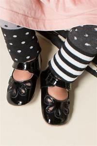 Livie Luca Petal Black Patent Baby Shoe Shopinjoy Com