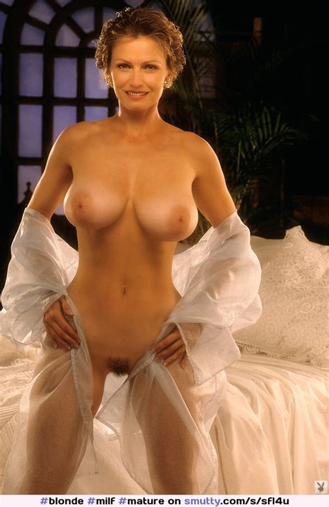 Blonde Milf Mature Playboy Fullfrontal Shorthair