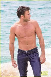Scott Eastwood's Latest Shirtless Pics for Davidoff Are So ...