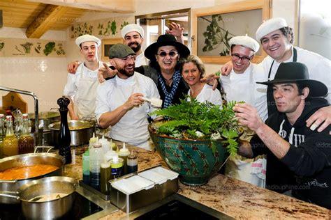 marc veyrat ustensiles de cuisine manigod la nouvelle résurrection de marc veyrat le pape