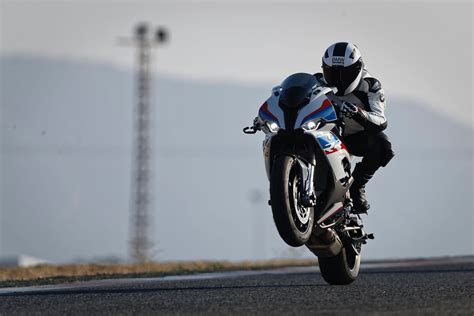 2019 bmw rr1000 2020 bmw s 1000 rr look at major updates 12 fast facts