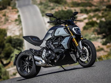 Review Ducati Diavel by Ducati Diavel 1260 S 2019 On Review