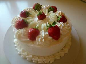 Fresh strawberry summer cake: How to achieve the perfect