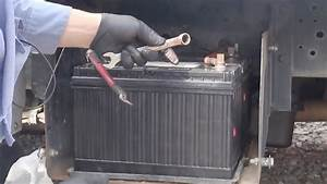 Change Truck Battery In Big Truck 1