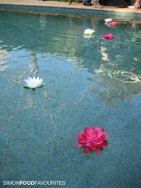 floating flowers   swimming pool wedding