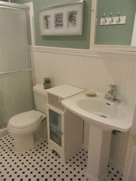 Bathroom Wainscotting by Bathroom With Wainscoting Downstairs Apartments