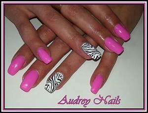 Ongles En Gel Rose : gel de couleur rose barbie d co stamping z bre noir et ongles nail art daily nail et beauty ~ Melissatoandfro.com Idées de Décoration