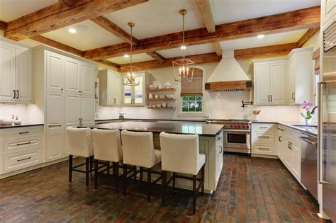 hays town inspired home revisited farmhouse kitchen  orleans  ourso designs