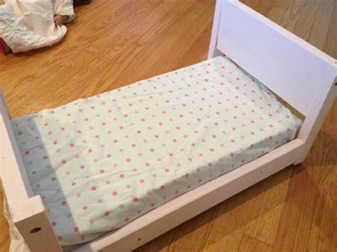 25190 diy american doll bed two it yourself diy doll bed for american from scrapwood