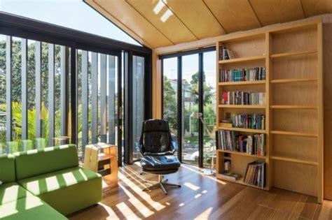 une maison hangar moderne par strachan group architects