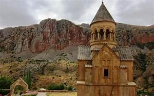 HD Noravank Monastery In Armenia Wallpaper | Download Free ...