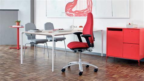 travailler 224 domicile ou au bureau en 233 tant bien assis dans un si 232 ge esth 233 tique une gageure