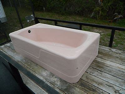 Porcelain Tubs For Sale by 1950s Vintage Pink Cast Iron And Porcelain Corner Bathtub