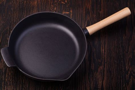carbon steel  stainless steel pans whats  difference recipe marker