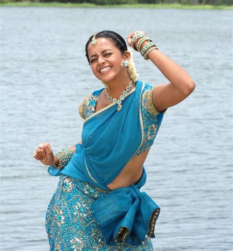 Telugu Actress Bhavana In Half Saree Parikini