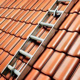 Dachleiter Für Schornsteinfeger : dachleitern f r sichere dacharbeiten ~ Frokenaadalensverden.com Haus und Dekorationen