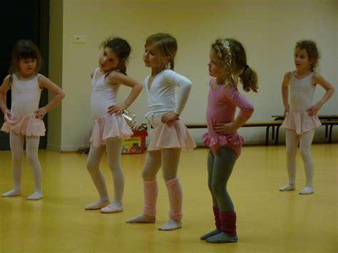 tenue danse moderne fille tenue danse moderne le disque 28 images chausson de danse moderne le disque a plumes