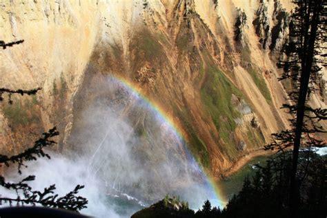 Everyone Wyoming Must Visit This Epic Waterfall