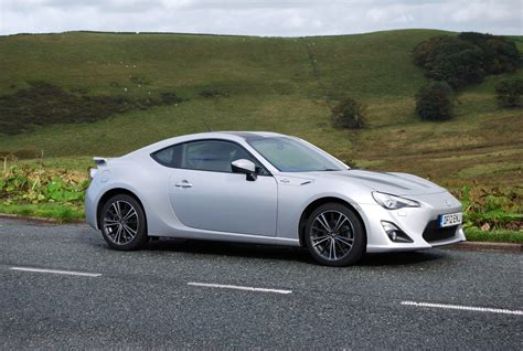 Toyota Gt86 Silver Toyota toyota gt86 automatic review driving torque