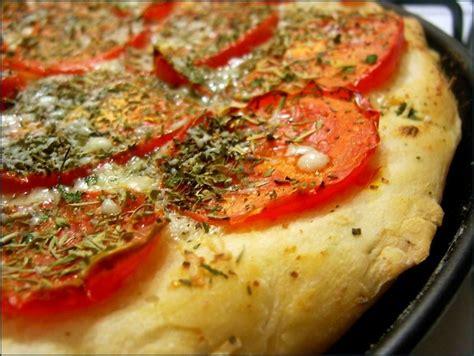 pate pan dominos pizza 28 images la recette de la p 226 te 224 pizza pan de pizza hut p 226