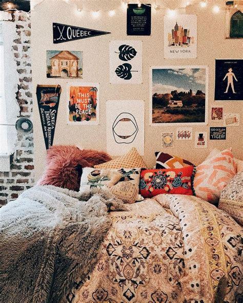 adorable  clever dorm room decorating ideas   budget