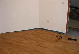 Bodenbelag Für Wohnzimmer : bodenbelag f r wohnzimmer massivhaus ~ Michelbontemps.com Haus und Dekorationen