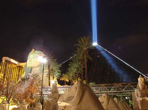 luxor front desk salary luxor hotel and casino las vegas hotels las vegas direct