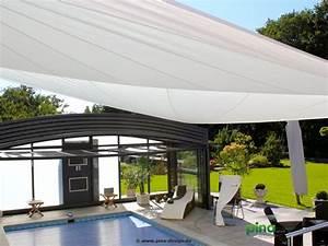 Terrassen Sonnenschutz Elektrisch : sonnensegel in elektrisch aufrollbar ber einer terrasse am ber einem pool als gro fl chiger ~ Sanjose-hotels-ca.com Haus und Dekorationen