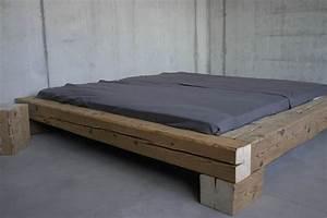 Möbel Aus Altholz : manum m bel aus altholz balkenbett aus altholz ~ Frokenaadalensverden.com Haus und Dekorationen