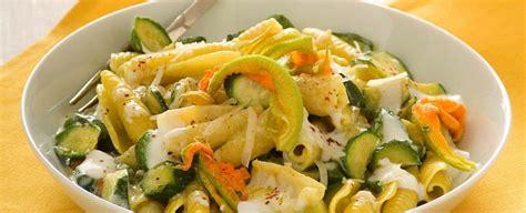 pasta con fiori di zucchine ricette pasta con zucchine e fiori sale pepe