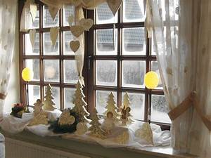 Hängende Deko Fürs Fenster : bild fenster deko zu restaurant caf wiesengrund geschlossen in b sum ~ Markanthonyermac.com Haus und Dekorationen