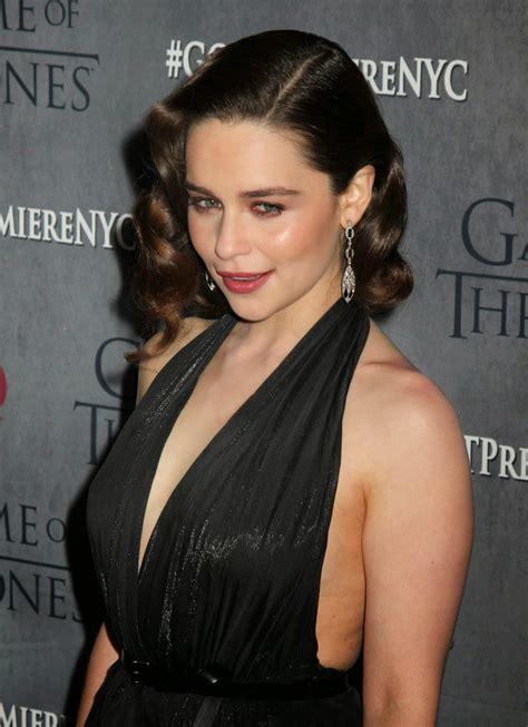 World Hot Actress: Emilia Clarke milky cute at the ...