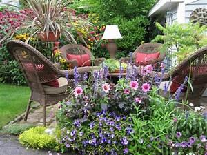Große Blumentöpfe Für Außen : bequemer sitzplatz im garten 20 stilvolle sitzecken im freien ~ Sanjose-hotels-ca.com Haus und Dekorationen