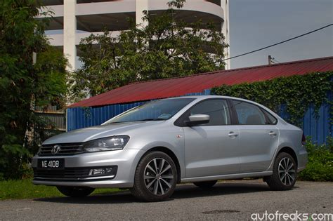 volkswagen vento spied 2018 volkswagen vento seen in brazil autofreaks com