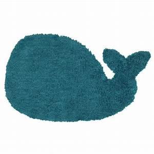 tapis enfant bleu 65 x 110 cm baleine maisons du monde With tapis enfant bleu