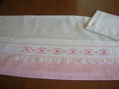 lenzuolini punto croce lenzuolino per realizzato a mano e ricamato a punto