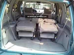 1993 Pontiac Trans Sport Base Mini Passenger Van 3