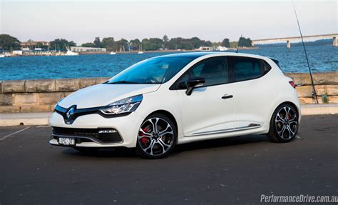renault clio sport renault clio r s 220 trophy review video performancedrive