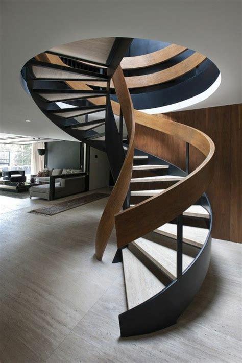 renover canape cuir l 39 escalier tournant en 40 jolies photos