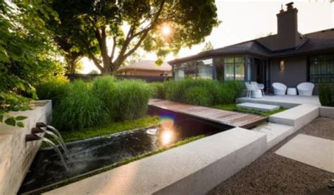 minimalist backyard garden design   waterfall